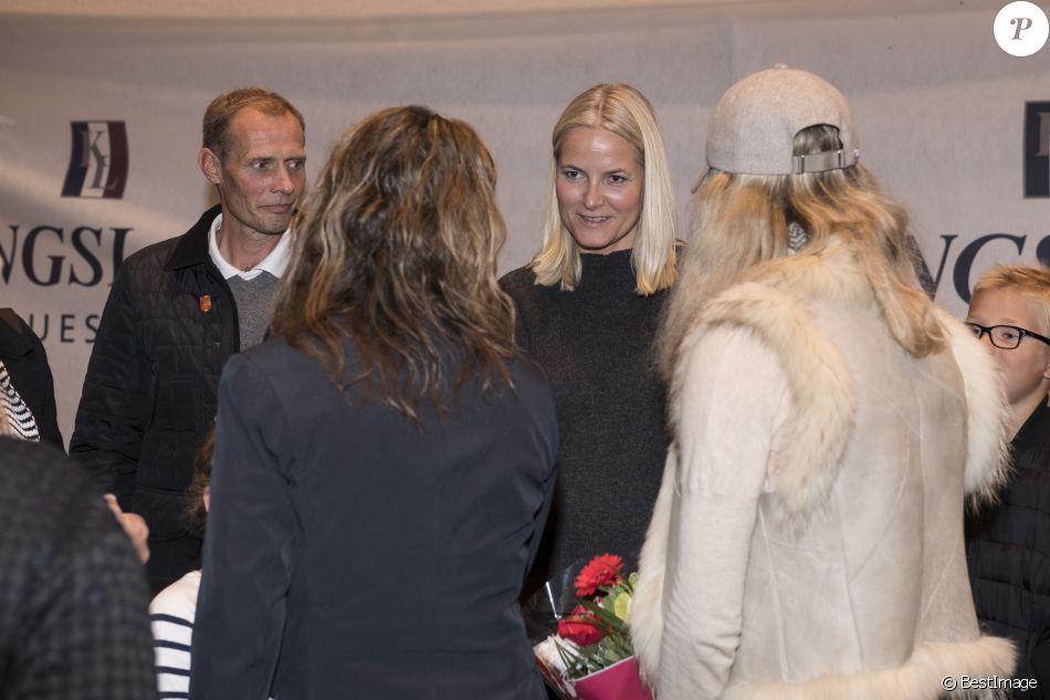 2737011-la-princesse-mette-marit-de-norvege-lors-950x0-2.jpg