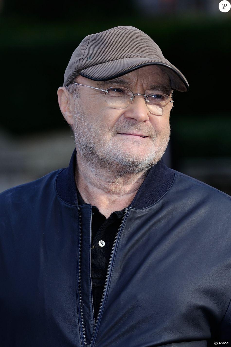 Phil Collins lors du photocall de sa conférence de presse pour sa tournée 'Not Dead Yet' au Royal Albert Hall à Londres le 17 octobre 2016