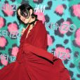 SoKo (Stephanie Sokolinski) assiste à la soirée de lancement de la collection Kenzo x H&M à New York le 19 octobre 2016.