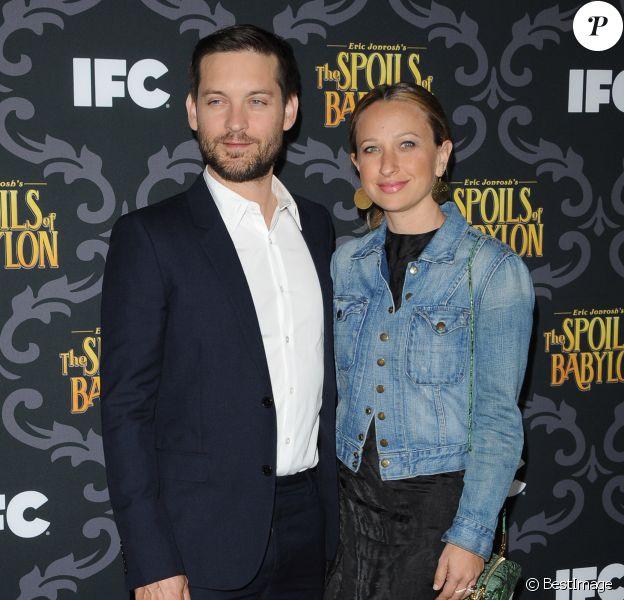 """Tobey Maguire and Jennifer Meyer à la Soiree de presentation de la serie """"The Spoils of Babylon"""" a Los Angeles, le 7 janvier 2014"""