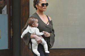 Chrissy Teigen mauvaise mère ? Attaquée sur Twitter, elle se défend !