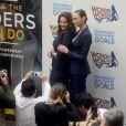 Les deux Woman, Lynda Carter et Gal Gadot -L'ONU a officiellement intronisé Wonder Woman, fameux personnage de comics et super-héroïne la plus célèbre au monde, comme Ambassadrice honoraire pour l'autonomisation des femmeset des filles,lors d'une réunion à l'ONU, New York, le 21 octobre 2016.