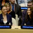 Les deux Woman, Lynda Carter et Gal Gadot, réunies pour l'intronisation de Wonder Woman, fameux personnage de comics et super-héroïne la plus célèbre au monde, comme Ambassadrice honoraire pour l'autonomisation des femmeset des filles,lors d'une réunion à l'ONU, New York, le 21 octobre 2016.