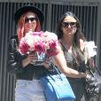 Demi Moore reçoit la visite de ses filles Rumer et Scout LaRue à l'occasion de la fête des mères à Pasadena, le 11 mai 2014.