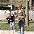 Sharon Stone et ses enfants dans un parc de Beverly Hills