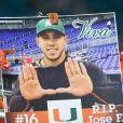 Hommage à Jose Fernandez le 8 octobre 2016, lanceur des Miami Marlins en MLB qui a trouvé la mort à 24 ans dans un accident de bateau à Miami le 25 septembre 2016.