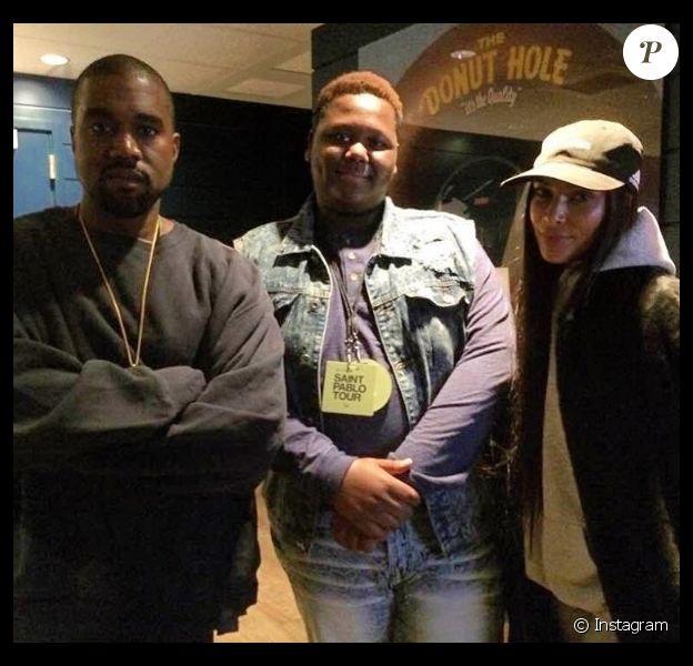 Kanye West et Kim Kardashian au côté de Cameron Sterling, le fils aîné d'Alton Sterling (tué en juillet dernier par un policier) lors du concert de Kanye West le 2 novembre à Inglewood, Los Angeles.
