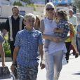 Gwen Stefani est allée à l'église et a fait du shopping avec ses enfants Kingston, Zuma et Apollo Rossdale à Studio City, le 25 septembre 2016
