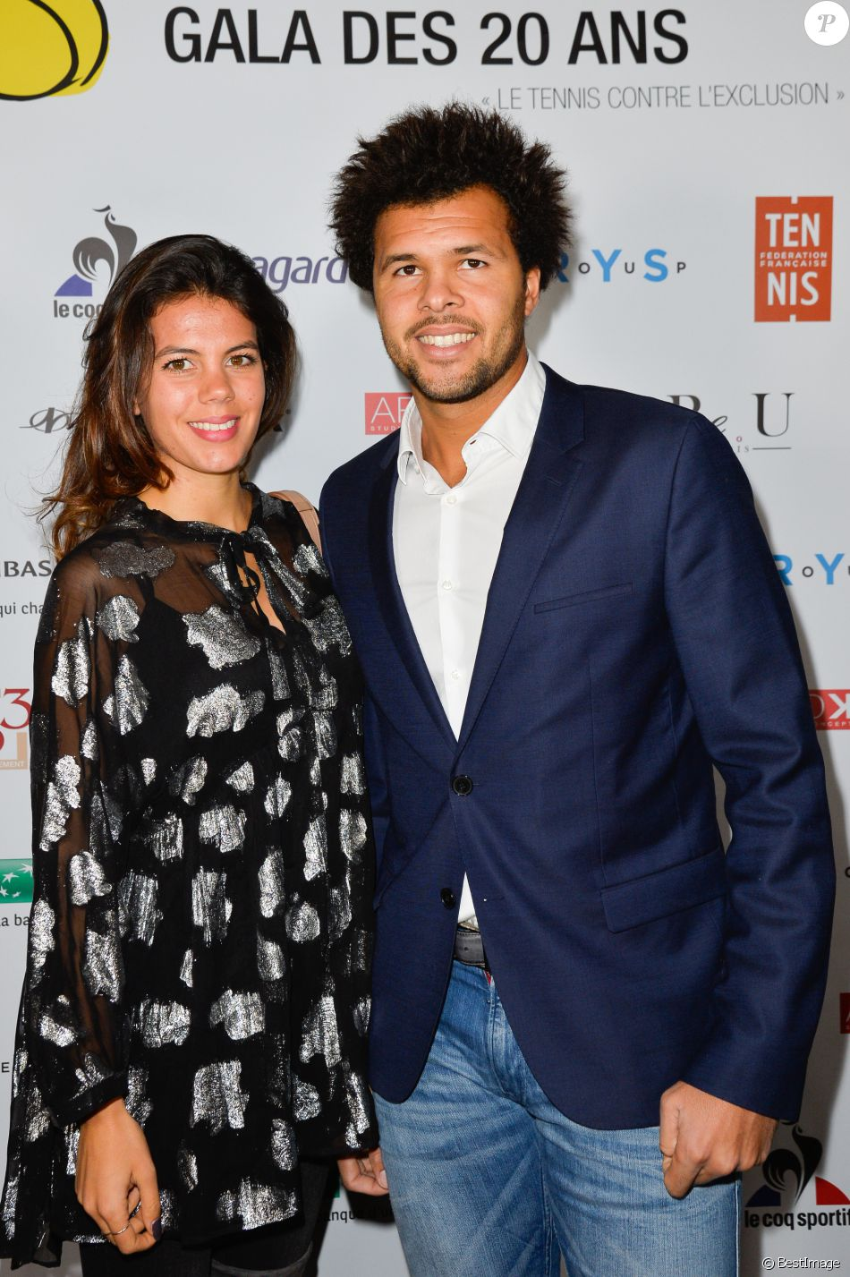 """Jo-Wilfried Tsonga et sa compagne Noura (enceinte) à la soirée de gala des 20 ans de l'association """"Fête le Mur"""" de Yannick Noah au Chalet des Iles à Paris le 9 novembre 2016."""