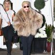 """Lady Gaga quitte la clinique de chirurgie esthétique """"Epione"""" à Beverly Hills le 15 novembre 2016."""