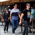 Nick, Joe et Frankie Jonas à West Hollywood, Los Angeles. Septembre 2012.