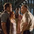 Bryce Dallas Howard, Chris Pratt, Omar Sy, Vincent D'Onofrio dans Jurassic World