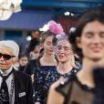 """Le designer Karl Lagerfeld lors du défilé Chanel """"Métiers d'Art 2016/2017"""" à l'hôtel Ritz à Paris le 6 décembre 2016. © Olivier Borde / Bestimage"""