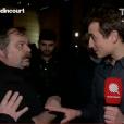 """Hugo Clément bousculé lors d'un duplex organisé par l'émission """"Quotidien"""". TMC, le 7 décembre 2016."""