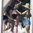 Taylor Hill participe à un photoshoot pour Victoria's Secret près deMiami, le 13 décembre 2016.