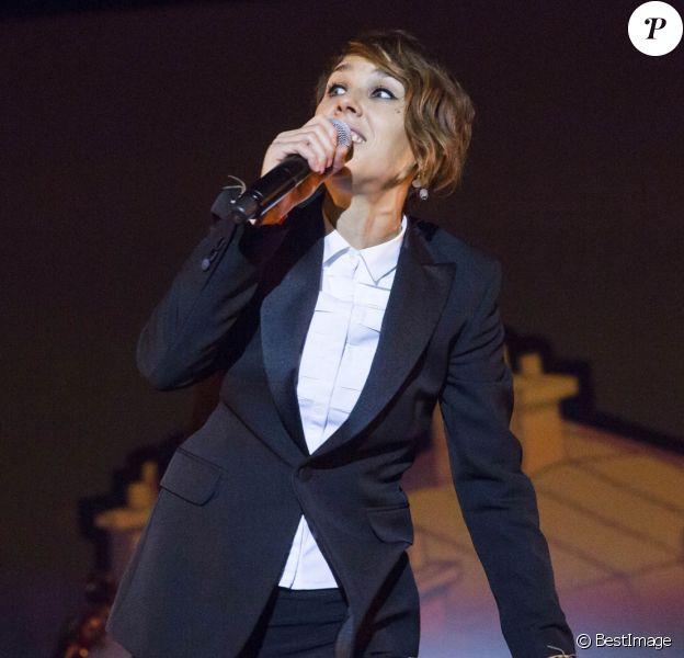 La chanteuse Zaz en concert au Max-Schmeling-Halle à Berlin, le 13 décembre 2016.