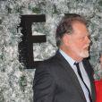"""Helen Mirren et son mari Taylor Hackford à la première de """"Collateral Beauty"""" au cinéma Vue à Londres, le 15 décembre 2016. © Ferdaus Shamim via Zuma Press/Bestimage"""
