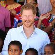 """Le prince Harry visite le centre """"Joshua House Children"""" en Guyane dans le cadre de son voyage aux Caraïbes à Georgetown le 4 décembre 2016"""