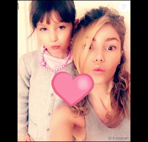 Lola Marois et sa fille Bella (10 décembre 2016).
