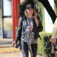 Hilary Duff à la sortie de son cours de gym à Studio City, le 16 décembre 2016