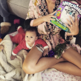 Chrissy Teigen fête son premier Noël avec leur petite Luna. Photo postée sur Instagram le 25 décembre 2016.