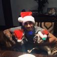 Lewis Hamilton fête Noël avec ses chiens. Photo postée sur Instagram le 25 décembre 2016.
