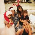Alessandra Ambrosio fête Noël en famille. Photo postée sur Instagram le 25 décembre 2016.