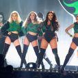 Le groupe Little Mix (Leigh-Anne Pinnock, Jesy Nelson, Perrie Edwards et Jade Thirlwall) à la Cérémonie des BRIT Awards 2016 à l'O2 Arena à Londres, le 24 février 2016.