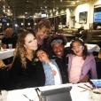 """""""Mariah Carey et Nick Cannon dînent en famille après le fiasco du réveillon. Photo publiée sur Instagram le 5 janvier 2016"""""""