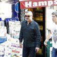 Exclusif - George Michael se promene dans la banlieue de Londres a Hampstead le 5 septembre 2013.  Exclusive - For Germany call for price - George Michael seen out and about in Hampstead on September 05, 2013. The singer was seen running some errands, keeping a low profile wearing all black. George's scar from a car crash earlier this year was visible on the back of his head.05/09/2013 - Hampstead