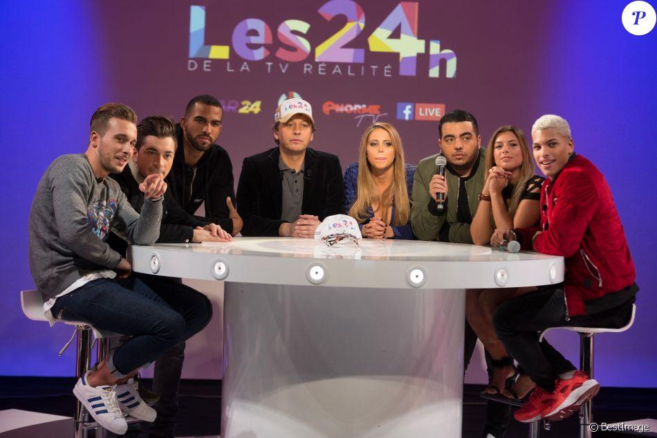 """Le plateau du tournage de l'émission """"Les 24h de la TV réalité"""", le 21 décembre 2016."""