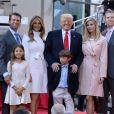 Donald Trump en famille sur le plateau du Today Show à New York. Le 21 avril 2016.