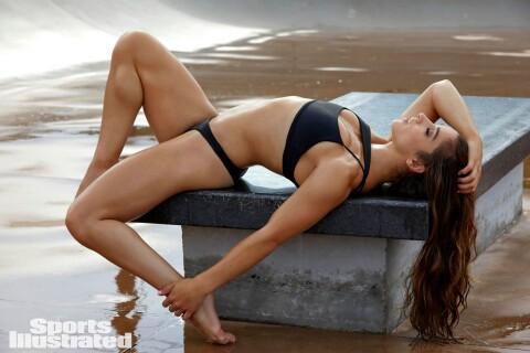 Aly Raisman et Simone Biles : Gymnastes olympiques sexy pour Sports Illustrated