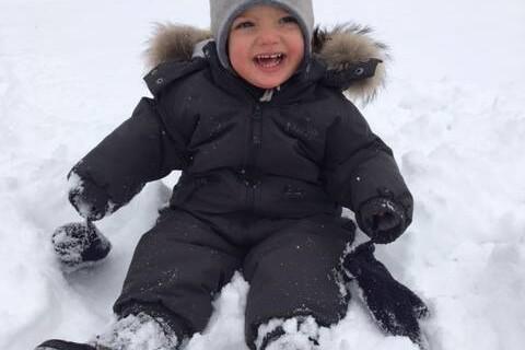 Madeleine de Suède : Leonore et Nicolas à la neige, des voeux rafraîchissants