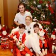 Céline Dion a dévoilé des photos de son séjour au ski avec ses files René-Charles, Nelson et Eddy, sur Facebook, le 12 janvier 2017