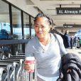 Exclusif - Doria Ragland (mère de Meghan Markle) arrive à l'aéroport LAX de Los Angeles, Californie, Etats-Unis, le 23 décembre 2016.