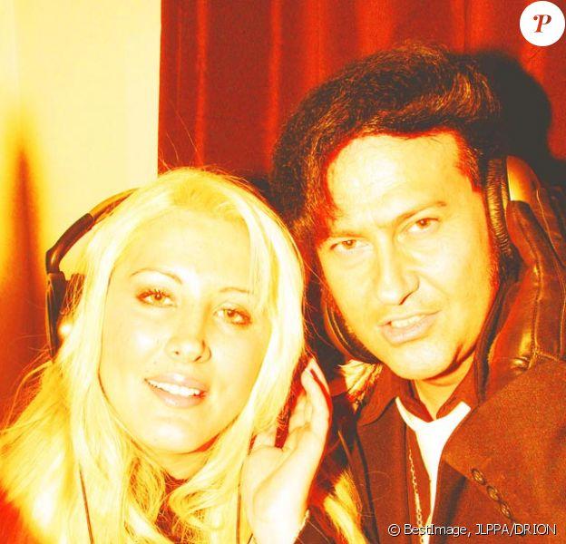 Exclusif :  Loana  et son ami Eryl Prayer (sosie de Elvis Presley)  ont enregistré un duo qui sortira en Février 2017. Le titre Love Me Tender sera disponible le 14 février 2017 sur la plupart des plateformes numériques et en distribution physique chez Discarlo Production à Paris. Shooting en 2014