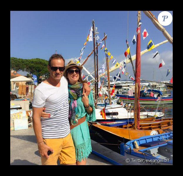 Eve Angeli et son chéri Chrisophe. Le 29 juin 2015. Les amoureux passent du bon temps à Saint-Tropez.