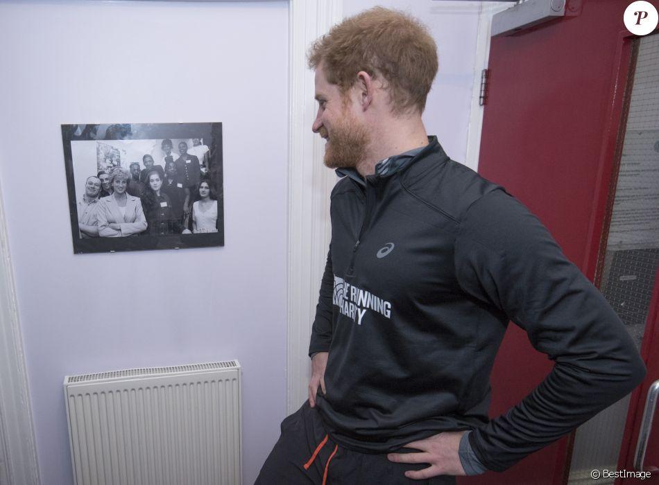 Le prince Harry a visité le 26 janvier 2017 un foyer Depaul à Willesden (nord-ouest de Londres), que sa mère Lady Di avait inauguré en 1995, pour rencontrer de jeunes SDF épaulés par l'association The Running Charity et faire, après un bon échauffement, quelques foulées avec eux.