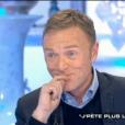 """Christophe Hondelatte annonce la déprogrammation de """"Crime et chatiment"""" sur France 3, le 28 janvier 2017 sur CAnal+ dans """"Salut les terriens""""."""