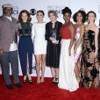 L'équipe de Grey's Anatomy (James Pickens, Jr., Sarah Drew, Camilla Luddington, Ellen Pompeo, Jerrika Hinton, Kelly McCreary, Caterina Scorsone, Chandra Wilson et Justin Chambers ) à la press room lors de la soirée des People's Choice awards à Los Angeles, le 6 janvier 2016.
