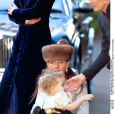 Tara Palmer-Tomkinson à un mariage à Londres en octobre 1998.