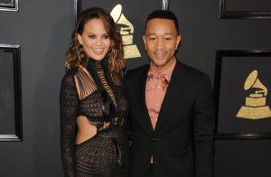 Chrissy Teigen : Ivre par terre, son mari John Legend lui vient en aide...