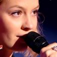 """Hélène dans """"The Voice 6"""", le 18 février 2017."""