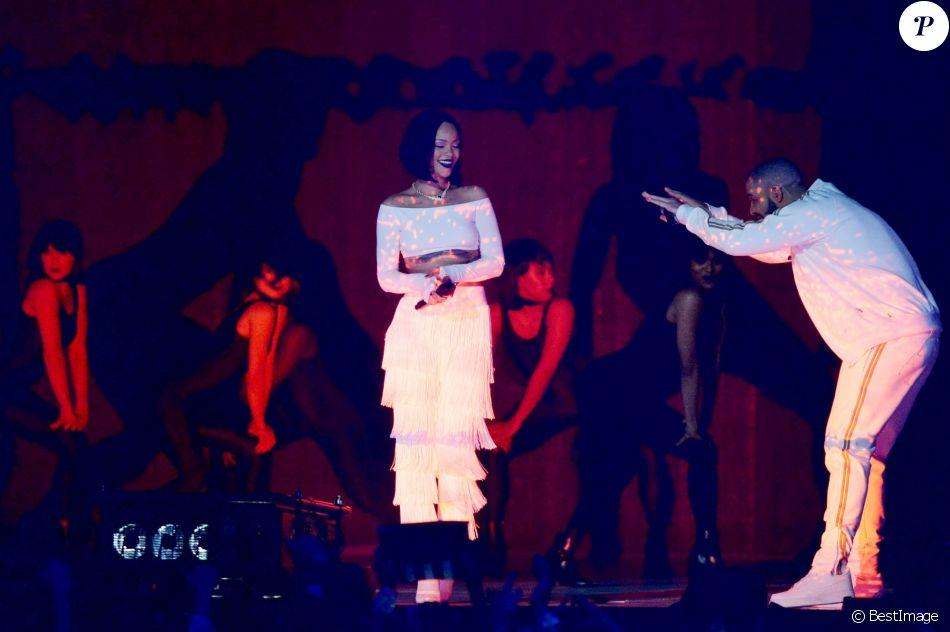 Rihanna et Drake à la Cérémonie des BRIT Awards 2016 à l'O2 Arena à Londres, le 24 février 2016.