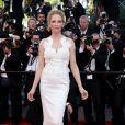 """Uma Thurman - Montée des marches du film """"Pour une poignée de dollars"""" pour la cérémonie de clôture du 67e Festival du film de Cannes – Cannes le 24 mai 2014"""