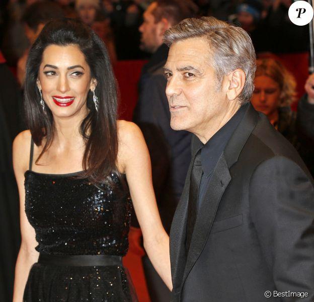"""George Clooney et sa femme Amal Alamuddin Clooney à la première de """"Hail Caesar!"""" au 66e festival international du film de Berlin le 11 février 2016."""