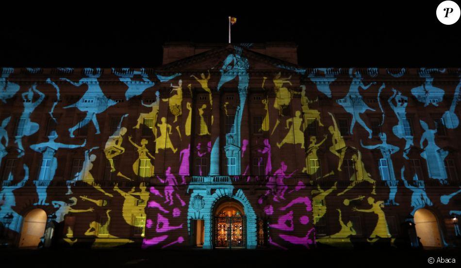 Projection lumineuse sur façade