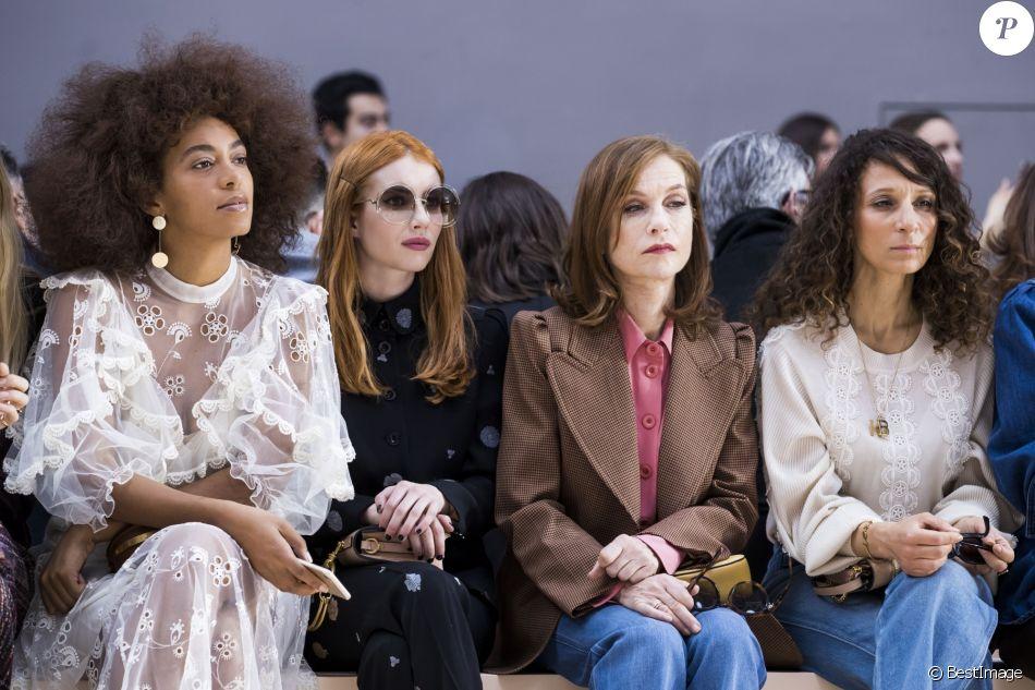 Solange Knowles, Emma Roberts, Isabelle Huppert, Houda Benyamina- Défilé Chloé, prêt-à-porter automne-hiver 2017/2018 au Grand Palais à Paris. Le 2 mars 2017.