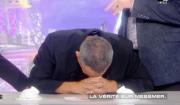 """Thierry Ardisson hypnotisé par Messmer : Florence Foresti prend sa place. Emission """"Salut les Terriens !"""" sur C8. Le 4 mars 2017."""